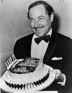 463px-tennessee-williams-with-cake-nywts-tm