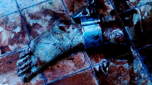 Saw-II-2005-saw-18450685-900-506