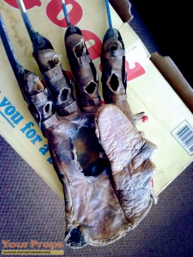 A-Nightmare-On-Elm-Street-4-The-Dream-Master-Stunt-Glove-From-Karate-Kill-4