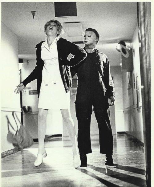 Halloween-2-1981-michael-myers-24654643-500-607