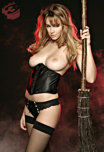 keeley-hazells-topless-witch-is-the-best-halloween-costume-ever-4