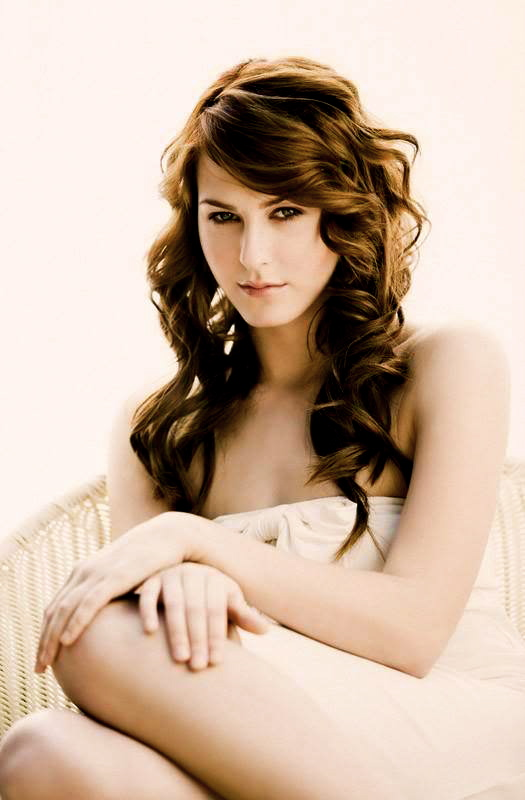 Scout-Taylor-scout-taylor-compton-9632642-525-800