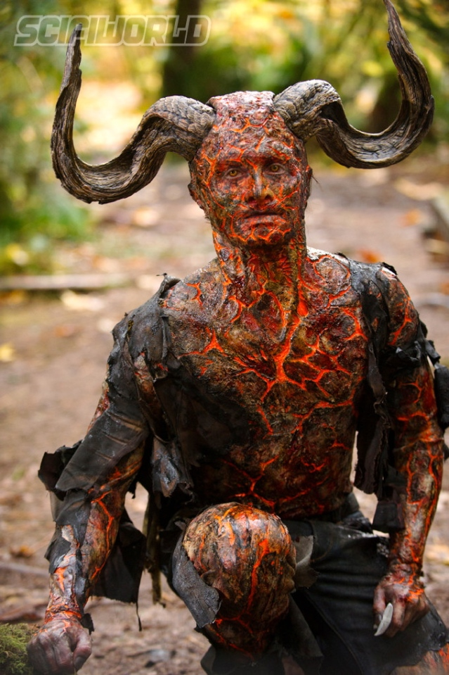 daniel-radcliffe-looks-bloody-frightening-in-new-horns-photos8-amazing-fx-danrad-s-devil-is-terrifyingly-perfect-in-horns