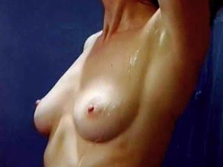 Elizabeth-Kaitan-nude1